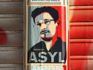 """E. Snowden : le Parlement européen demande sa protection  à une Europe toujours plus """"Orwellienne"""""""