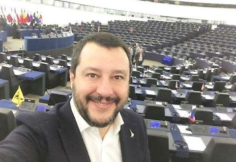 #LaRéplique – Salvini à Strasbourg écrit : «Je travaille pour vous»