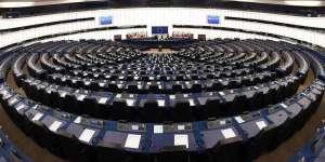 Le rejet des listes transnationales : un échec? un succès? Pourquoi le Parlement européen doit-il changer son logiciel politique.