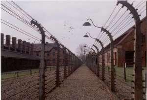 #LaRéplique: La loi mémorielle polonaise sur la Shoah: expression d'un véritable négationnisme historique?