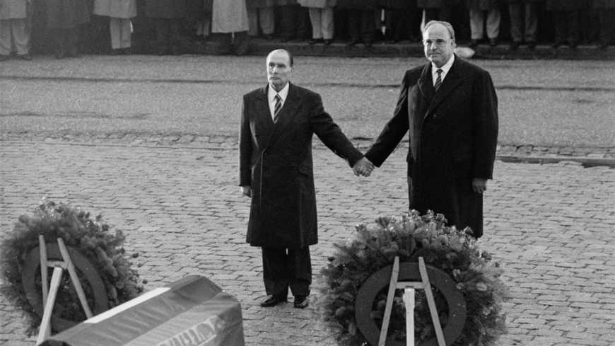 Les montées des violences néofascistes inquiètent le Parlement européen et de son côté Emmanuel Macron alerte: «Les démons anciens ressurgissent».