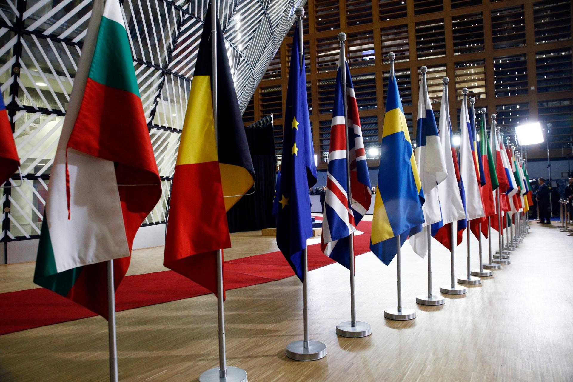 La question de l'élargissement de l'UE à l'Albanie et la Macédoine du Nord