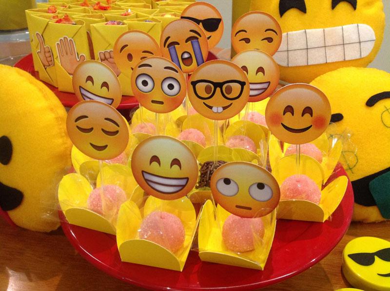 Festa EMOJI Eu (Lele) e as crianças -> Decoração De Festa Tema Emoji