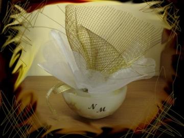 Μπομπονιέρα με Κουφωτό Κερί, Χρυσή Κορδέλα