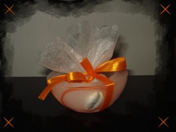Μπομπονιέρα με Κουφωτό Κερί, Πορτοκαλί Σατέν Κορδέλα