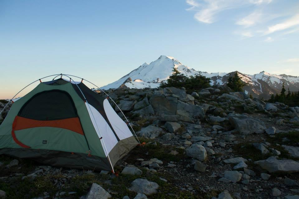 Nossa barraca e o Mount Baker ao fundo. Foi incrível passar a noite com esta vista.