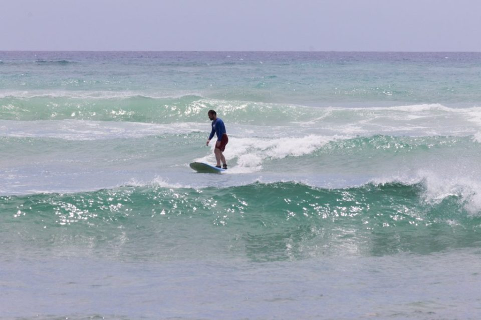 Aula de surfe no Havaí_2