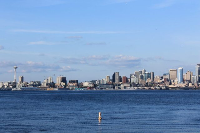 Vista de Seattle em Alki Beach