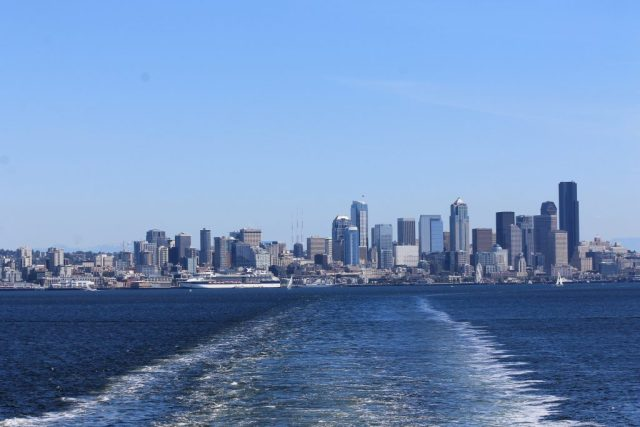 Vista de Seattle da balsa para Bainbridge Island_2