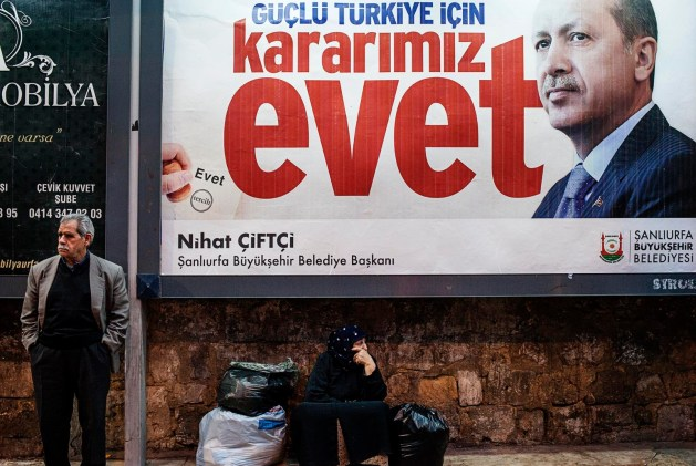 Cartel por el SÍ en el referéndum de 2017 de Turquía. Fuente: Eulixe.com (Imagen cedida por el autor)