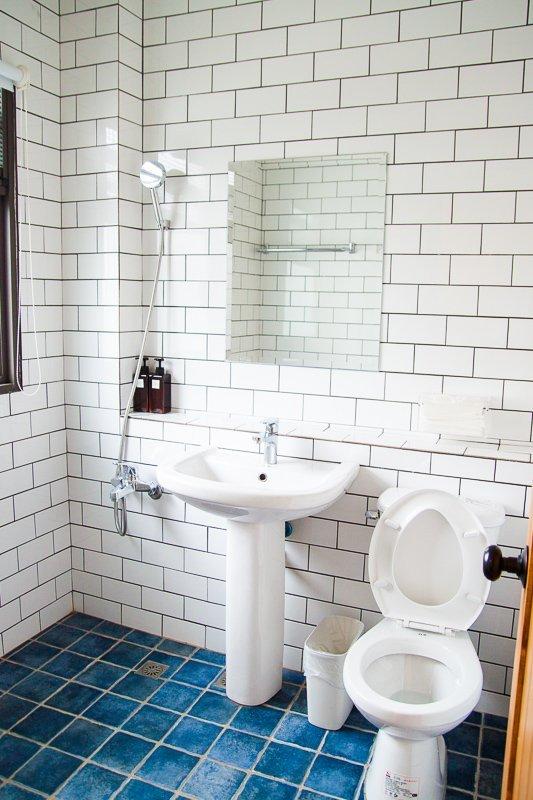 Mini Voyage Hostel Ensuite Toilet Review