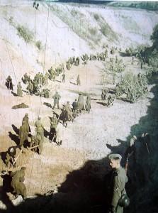 Prisioneros judíos en los trabajos del Barranco de Babi Yar.