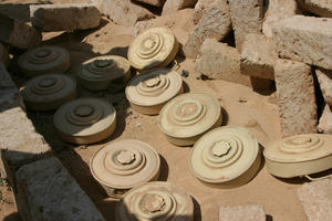 Metal cased antitank mines found in Ajdabiya on March 28, 2011. © 2011 Human Rights Watch