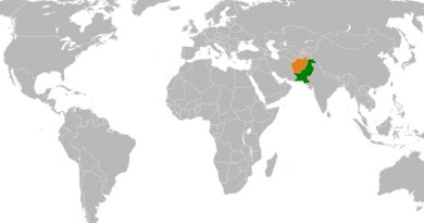 Location of Afghanistan and Pakistan. Source: Wikipedia Commons.