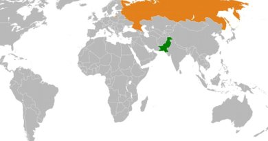 Locations of Pakistan and Russia. Source: WIkipedia Commons.
