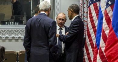 President Barack Obama and Secretary of State John Kerry talk with President Vladimir Putin of Russia after a bilateral meeting at the United Nations in New York, N.Y. Sept. 28, 2015. (Official White House Photo by Pete Souza)