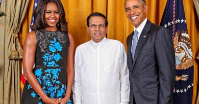 Sri Lanka's President Maithripala Sirisena with US President Barack Obama and wife Michelle Obama. Photo via Sri Lanka government.