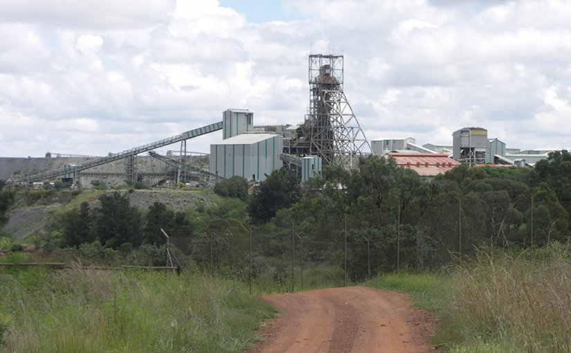 Premier Diamond Mine, Cullinan, Gauteng, South Africa. Photo by NJR ZA, Wikipedia Commons.