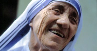 Mother Teresa. Photo by Manfredo Ferrari, Wikipedia Commons.
