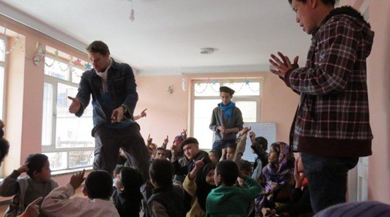 Peer mediation in Kabul. Photo Credit: VCNV.