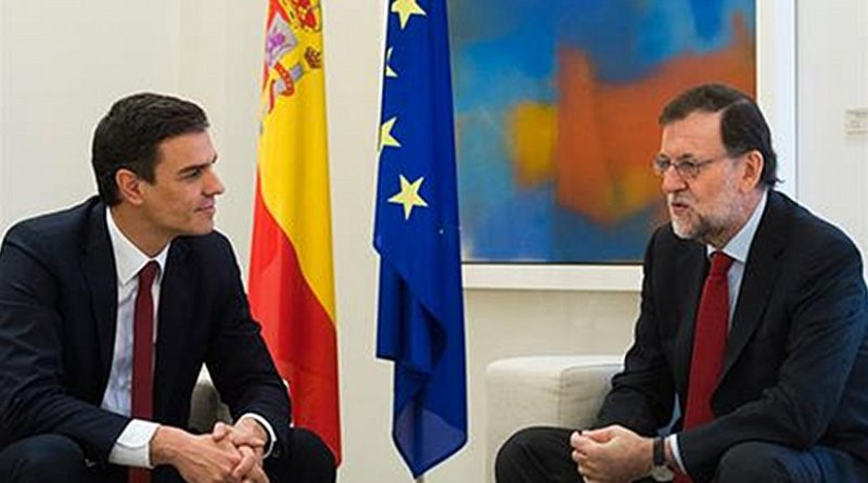 Spain's Mariano Rajoy holding a meeting with Pedro Sánchez (PSOE). Photo Credit: Pool Moncloa by David Mudarra.