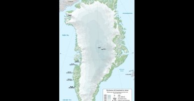 Map in English of Greenland ice sheet thickness. Graphic by Eric Gaba, Wikipedia Commons.