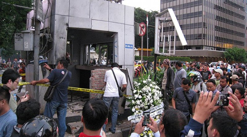 Police post damaged by suicide bomb attack in front of the Sarinah mall, Jakarta, Indonesia. Photo by Gunawan Kartapranata, Wikipedia Commons.