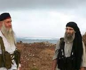 Abu Obeida Qahtan (left) with al-Khal (right). The image first appears to have emerged in 2014. The figure on the left has been misidentified as Abu Muhammad al-Masalama, about whom more below. Photo via Syria Comment.