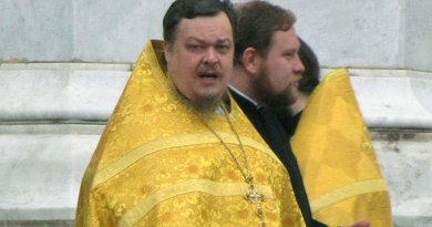 Russian Orthodox Archpriest Vsevolod Chaplin. Photo by Чръный человек, Wikipedia Commons.