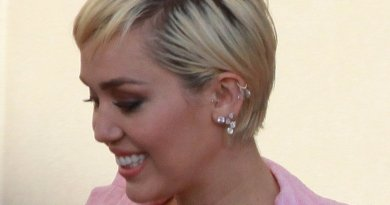 Miley Cyrus. Photo by onetwothreefourfive, Wikipedia Commons.