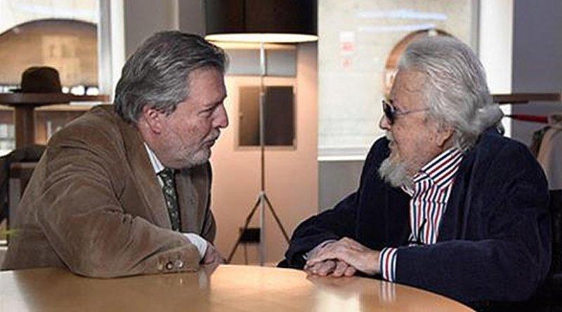 Spain's Minister for Education, Culture and Sport, Íñigo Méndez de Vigo, meets Fernando del Paso. Credit: Spain's Ministerio de Educación, Cultura y Deportes .