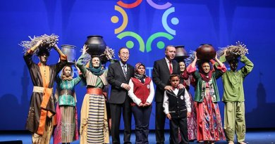 UN Secretary-General Ban Ki-moon (left) with Turkish Prime Minister Recep Tayyip Erdoğan (right). Source: WHS