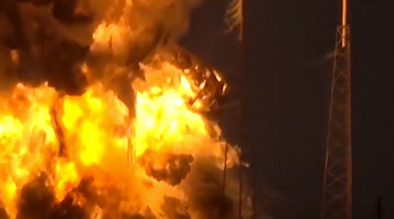Screenshot of SpaceX - Static Fire Anomaly - AMOS-6 - 09-01-2016 from USLaunchReport https://www.youtube.com/watch?v=_BgJEXQkjNQ