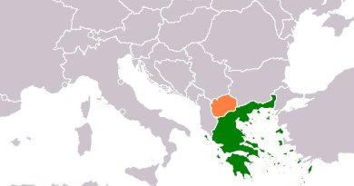 Locations of Greece (green) and Macedonia. Source: Wikipedia Commons.