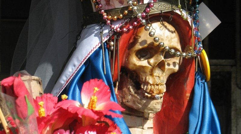 La Santa Muerte ('Holy Death' or 'Saint Death'). Photo by Not home, Wikipedia Commons.