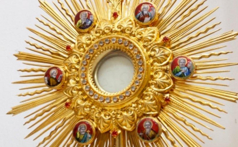 Holy Host catholic