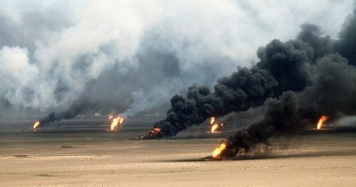 Oil well fires rage outside Kuwait City in the aftermath of Operation Desert Storm. Photo by Tech. Sgt. David McLeod, Wikipedia Commons.