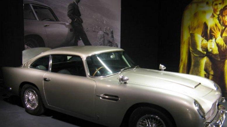 James Bond memorabilia. Photo by Badeendjuh.