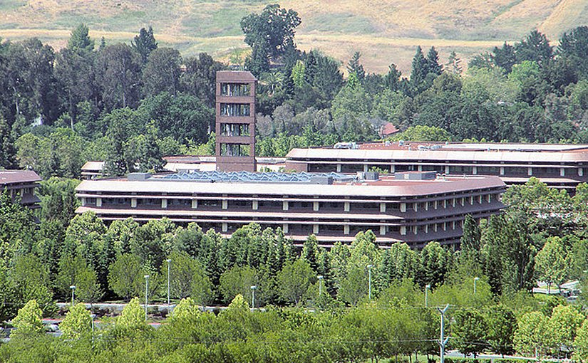 Chevron Corporation headquarters in San Ramon, California. Photo by Coolcaesar, Wikipedia Commons.