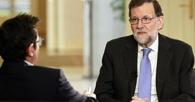 "Spain's PM Mariano Rajoy during an interview on the ""Los Desayunos de TVE"" program. Credit: Pool Moncloa/JM Cuadrado"