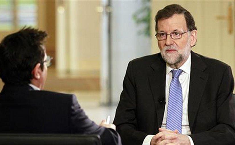 """Spain's PM Mariano Rajoy during an interview on the """"Los Desayunos de TVE"""" program. Credit: Pool Moncloa/JM Cuadrado"""