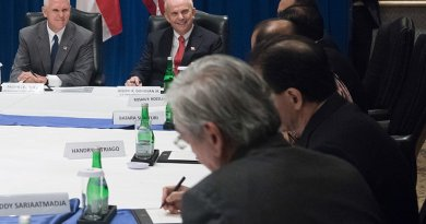 US Vice President Mike Pence meets with Indonesian business leaders in Jakarta, Indonesia. Photo Credit: White House.