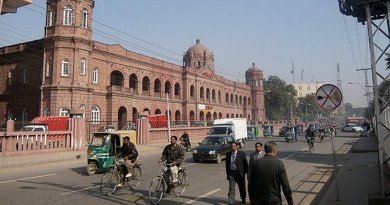 Lahore, Pakistan. Photo by Omer Wazir, Wikipedia Commons.