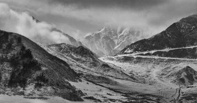 This is the Tibetan Plateau in Qinghai. Credit DaiLuo, Flickr, CC BY