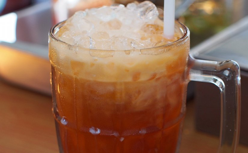 Thai iced tea as served in an eatery in Thailand. Photo by Takeaway, WIkipedia Commons.