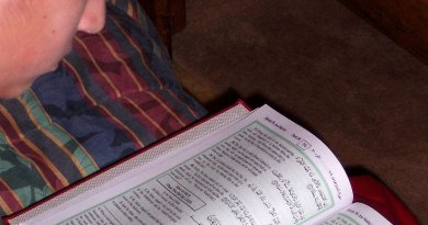 boy reading koran quran islam