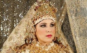 Moroccan bride in traditional attire