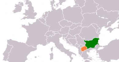 Locations of Bulgaria (green) and Macedonia (orange). Source; Wikipedia Commons.