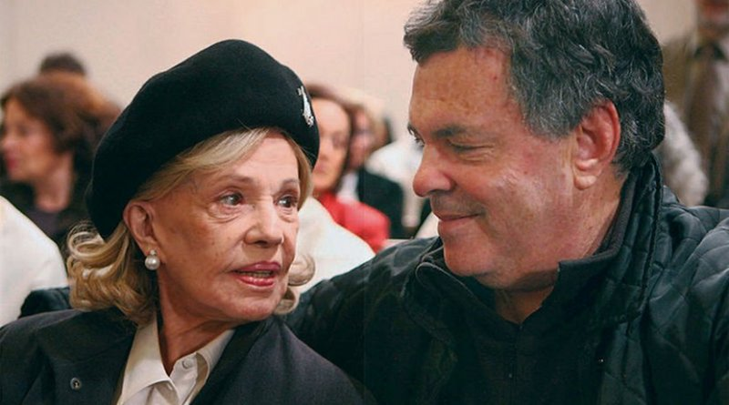 eanne Moreau and Amos Gitai during filming of Plus Tard, 2008. Photo by Jacque Fresco, Wikipedia Commons.