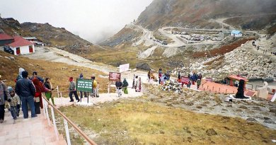Stairs leading to Nathu La Pass from Indian side, and near Doklam. Credit: Wikimedia Commons.